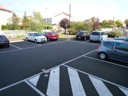 Le parking extérieur
