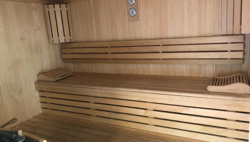 Sauna & Douche