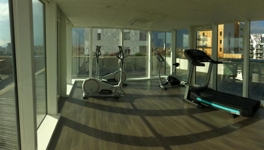 Fitness room avec vue